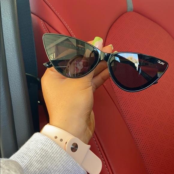 Quay Black Trendy sunglasses 🕶